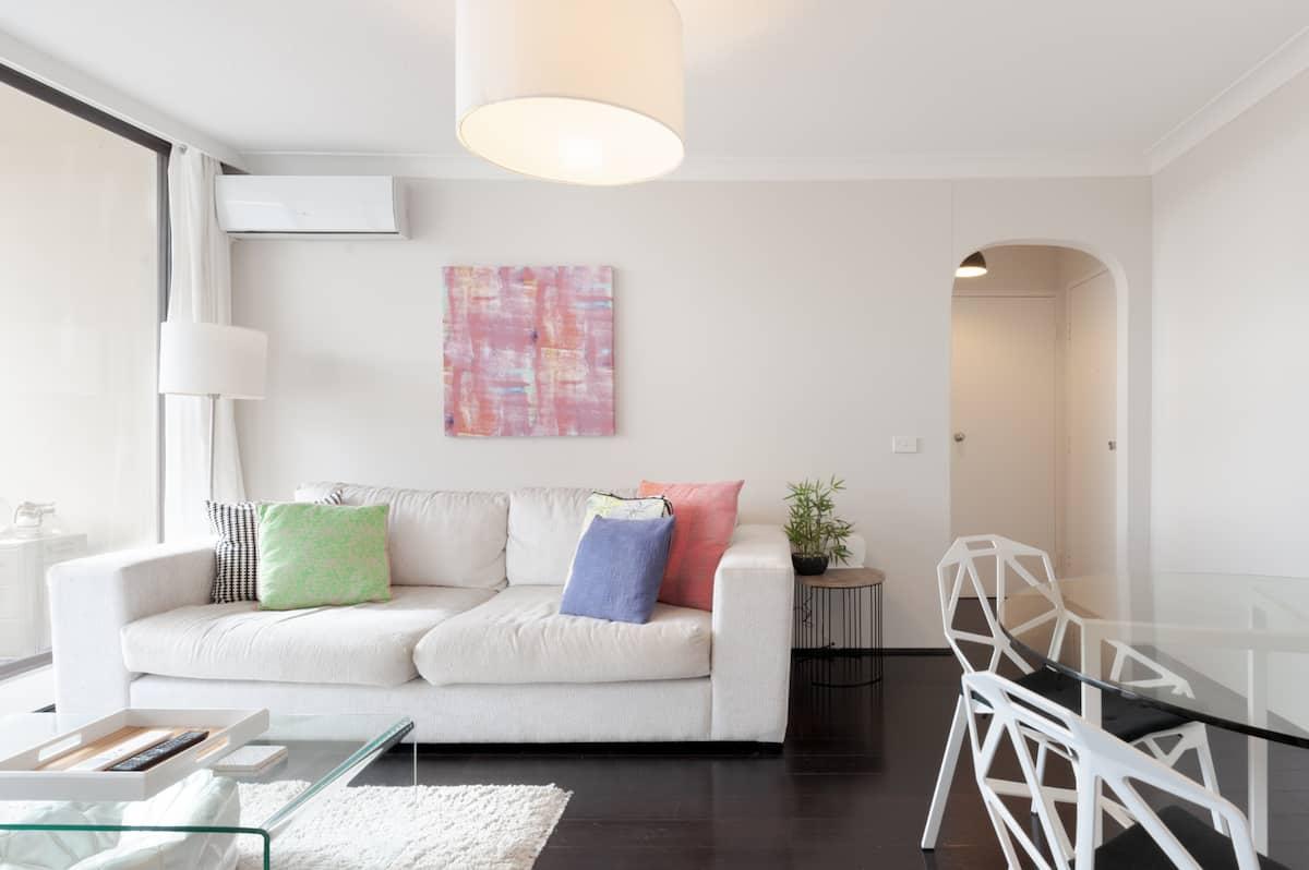 Bright Modern Apartment Near Coogee Beach