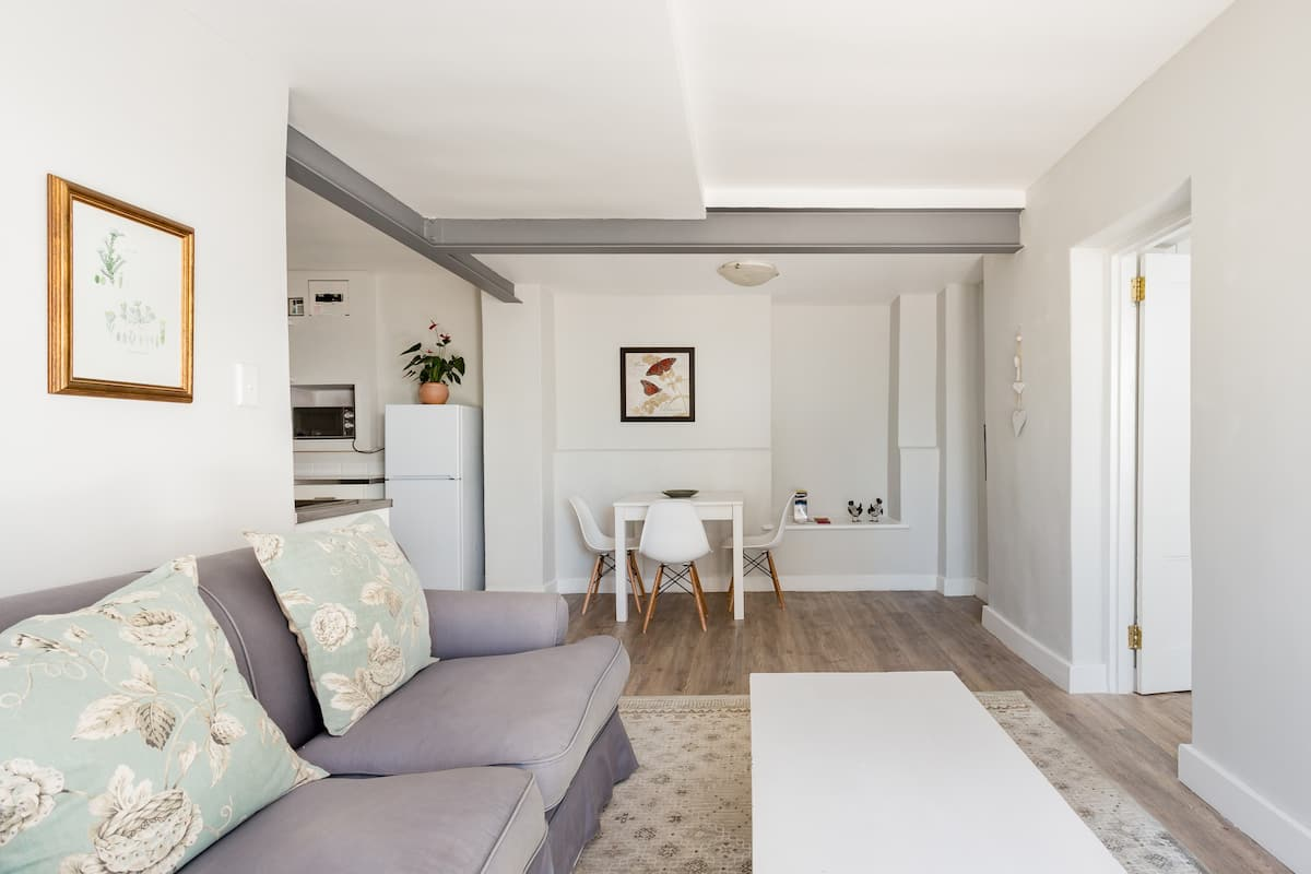 Renovated Apartment near the V&A Waterfront