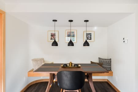 Roost in a Luminous Apartment with Home Gym in Artsy Fremont