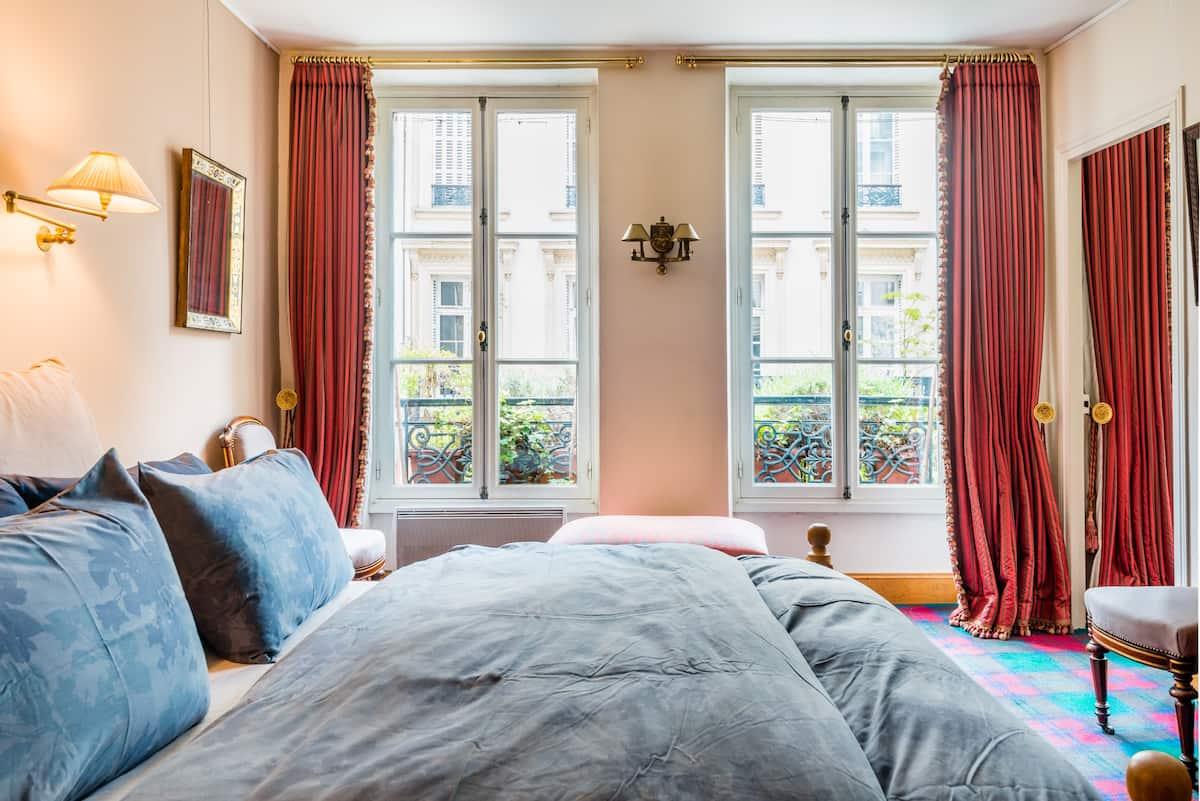 Bel appartement au charme ancien dans le Marais