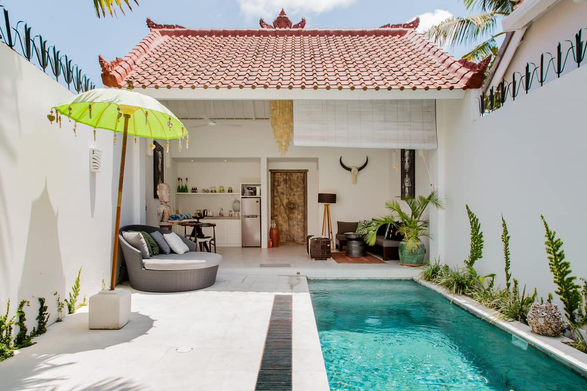 Live the Bohemian Dream at a Chilled Tropical Villa Kali