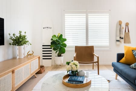 Relaxed, Sunfilled Getaway on the Northern Beaches