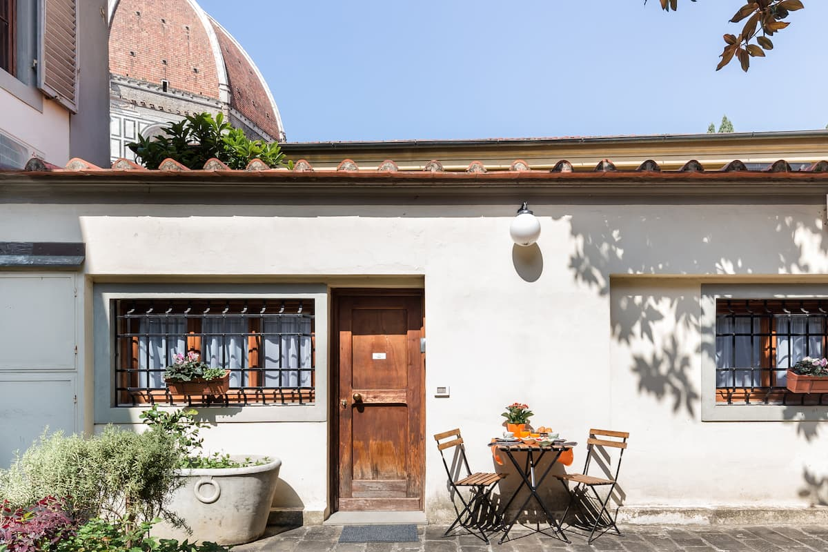 Appartamento con affaccio su un cortile privato con vista Duomo
