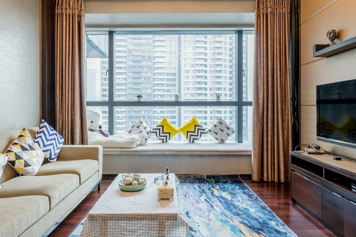 天河区猎德CBD广交会珠江新城兴盛路W酒店公寓超豪华带浴缸温馨大套房