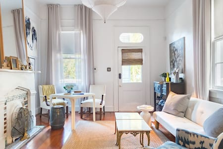 Stylish Home Walking Distance to French Quarter Free Bikes