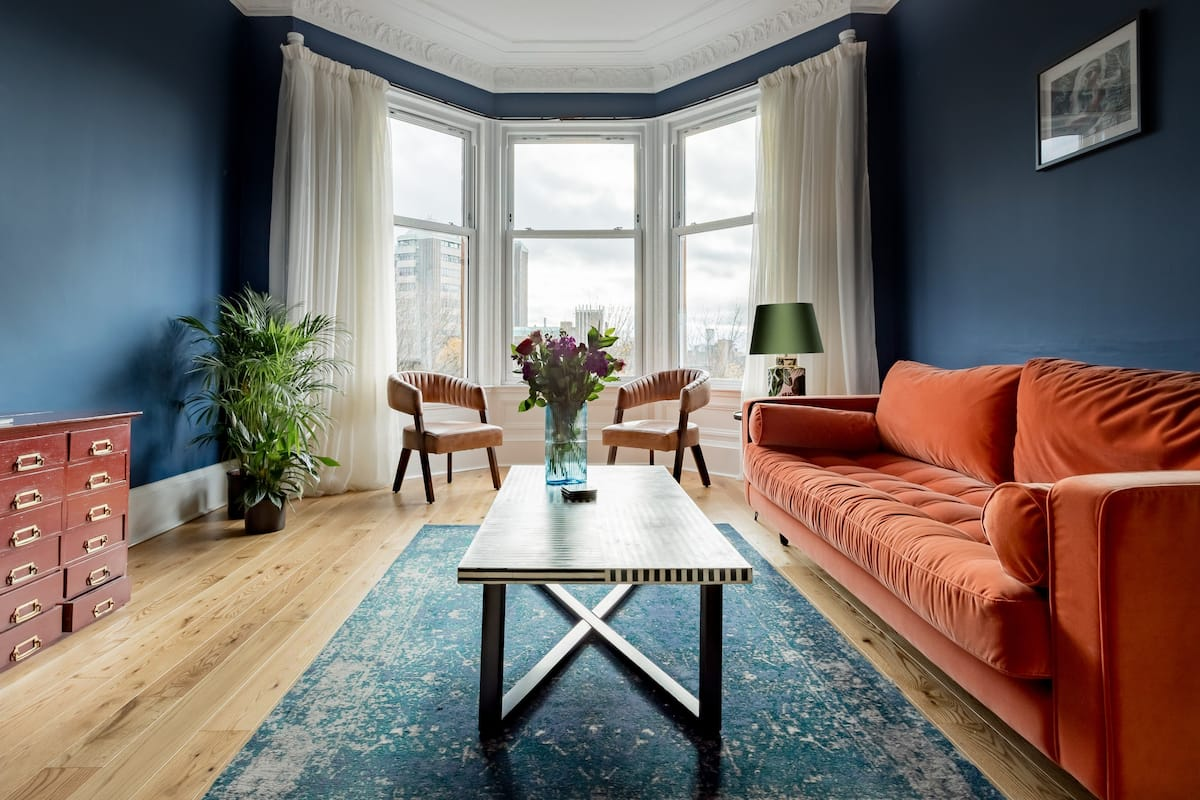 Hip, Vibrant Apartment near the University of Glasgow