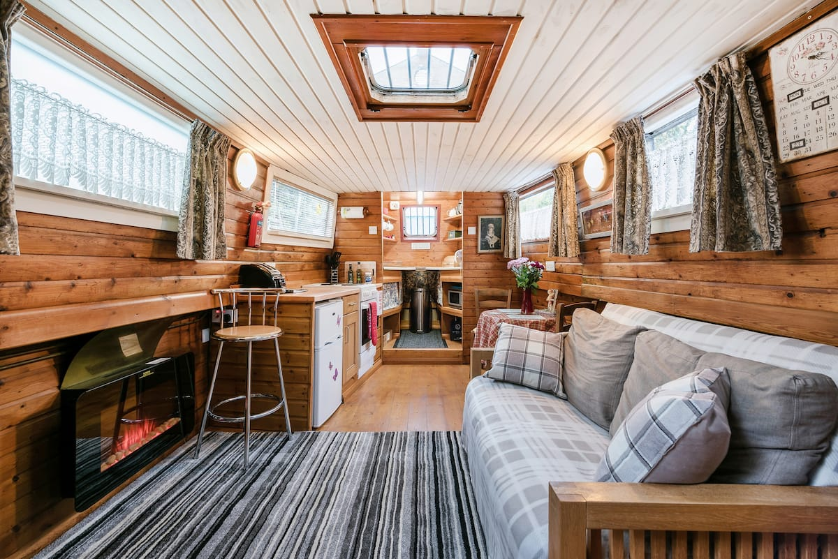Cosy Dutch House Boat Close to London