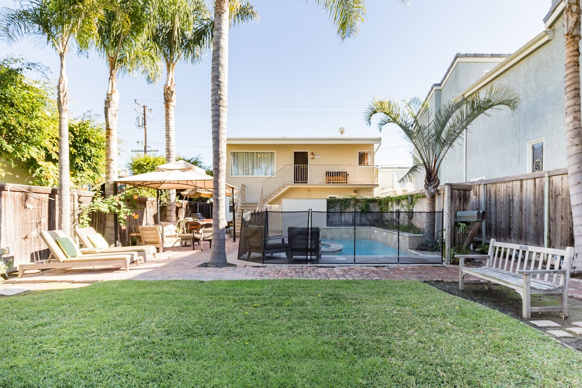 Enjoy the Best of Beach Living with Pool/Spa in Seal Beach