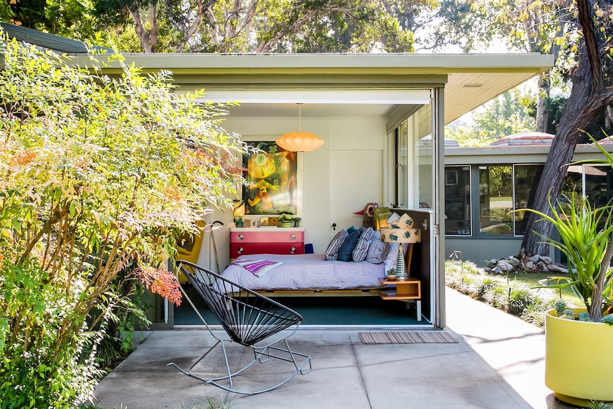 Mid Century Guest House in Historic South Pasadena
