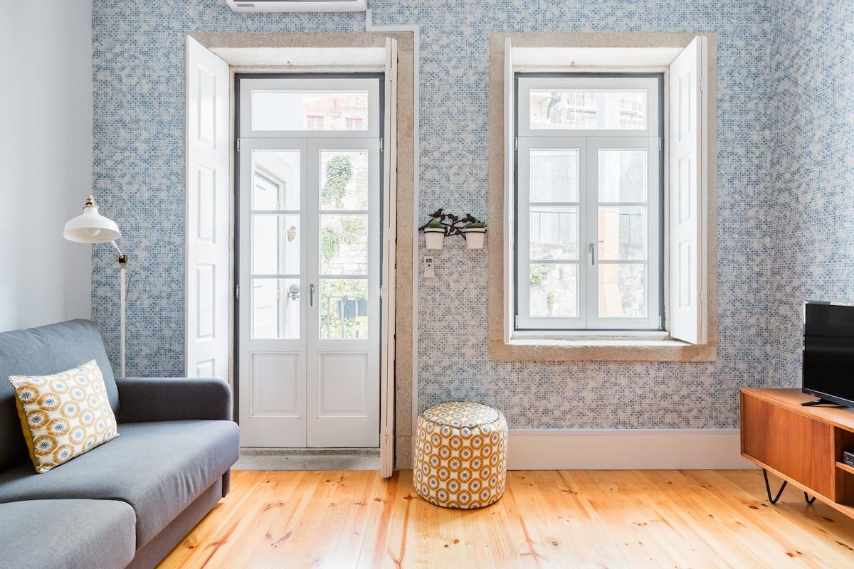 Andorinhas Flores, Perfect Location & Charming Balcony