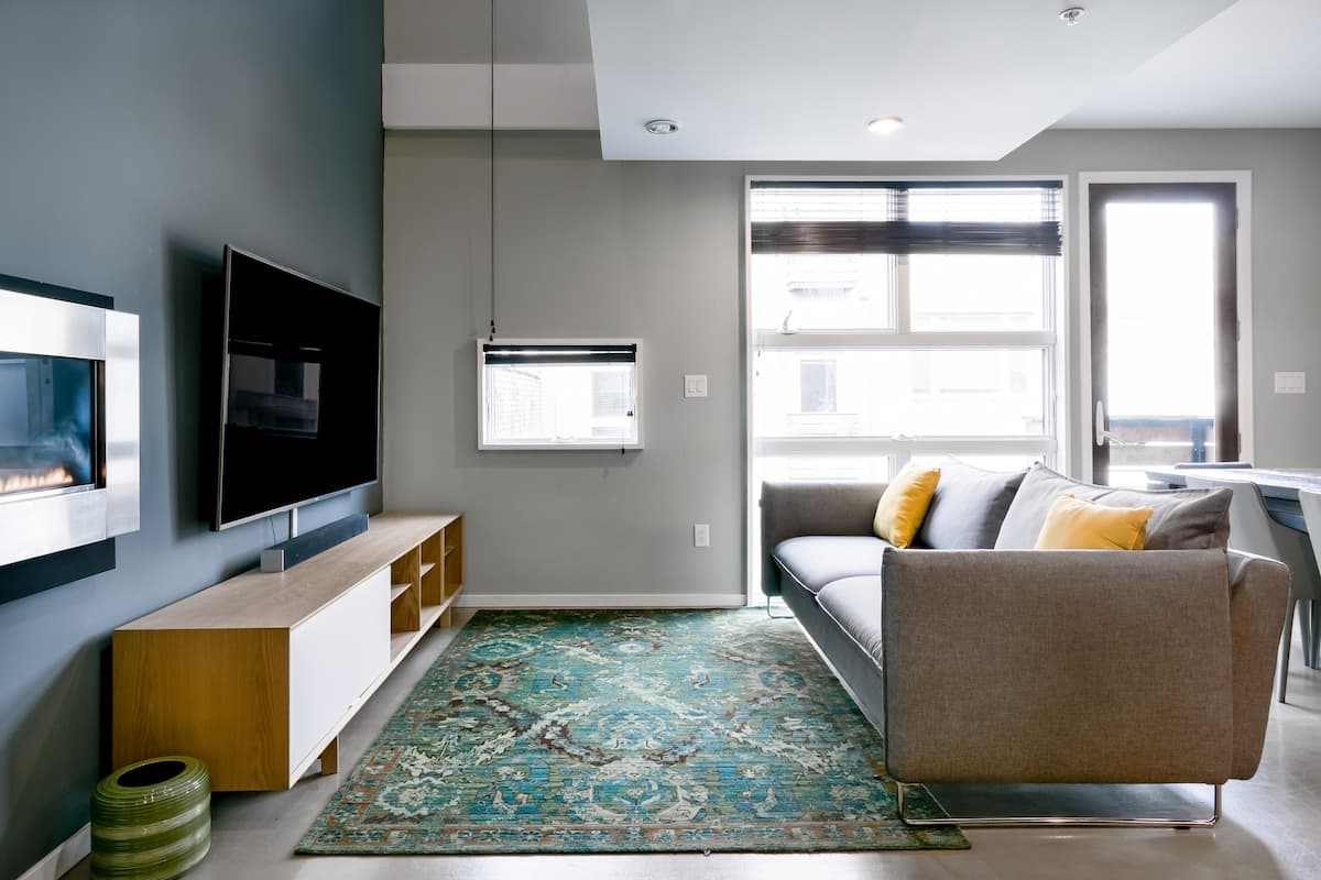 Contemporary South Street Penthouse with 20-Foot Ceilings