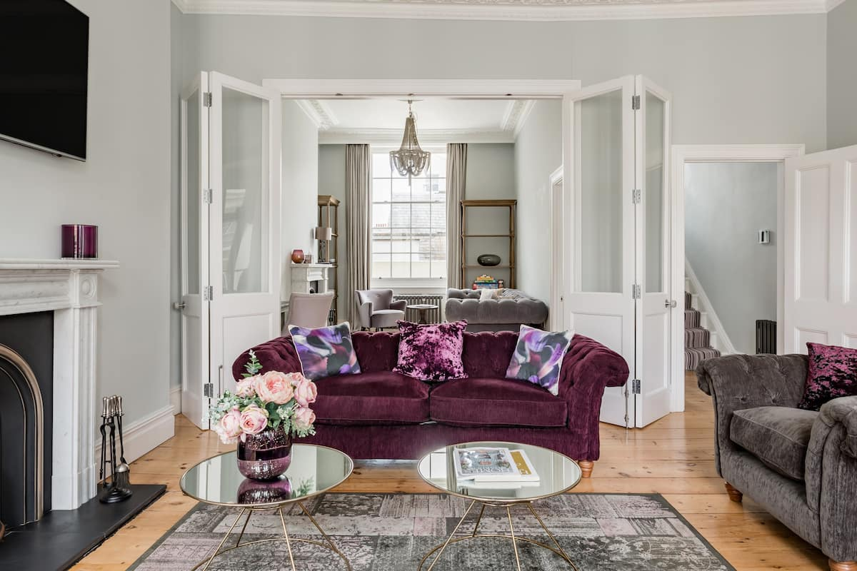 Stroll to the Pier From a Stately Regency Townhouse