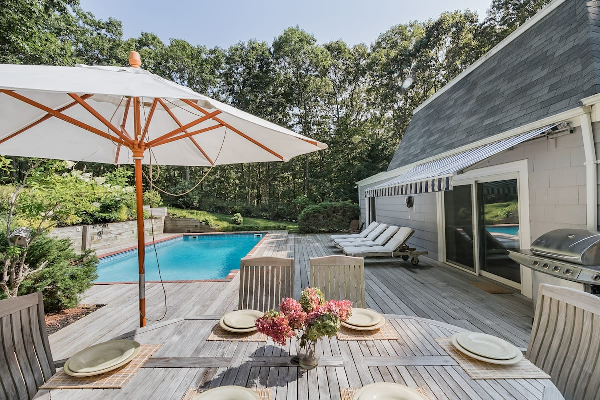 Southampton Spectacular Home with Pool — Close Beach/Village