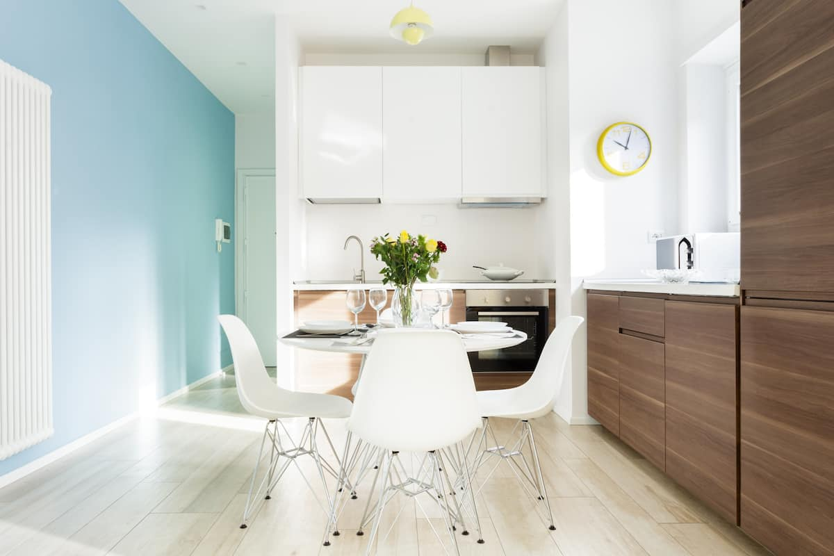 Appartamento dalle colorate armonie moderne con vista su San Pietro