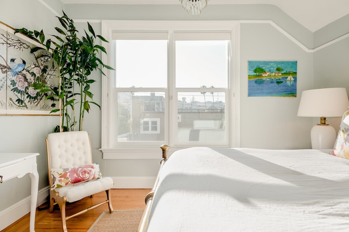 Relax in a Historic House Located in the Heart of the Mission District
