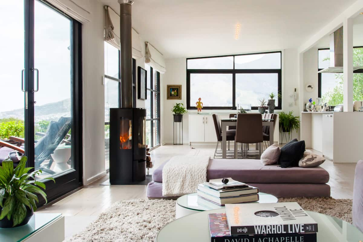 Gorgeous Penthouse with Views of Table Mountain