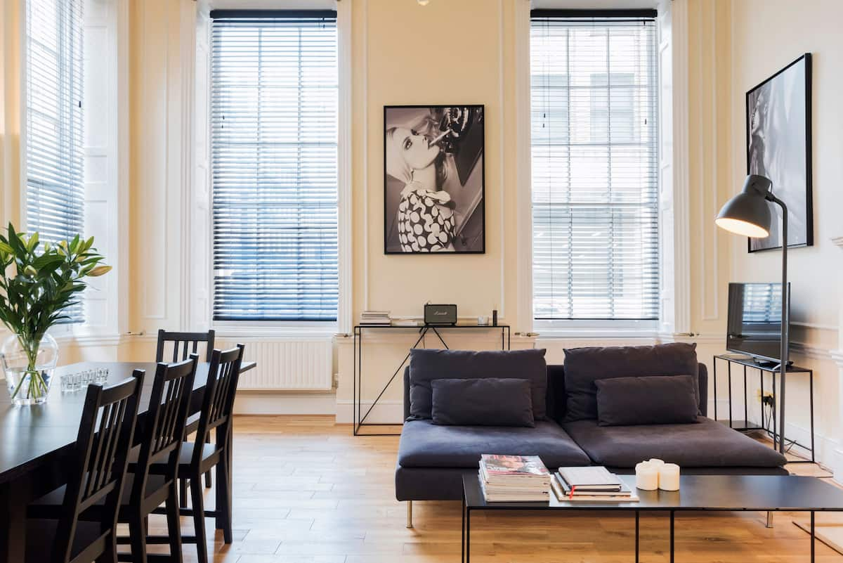 Unwind in an Elegant Apartment near Covent Garden
