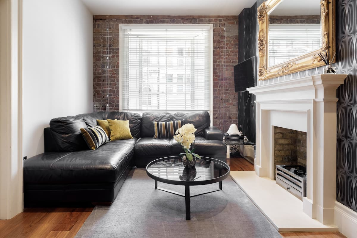 Character-filled Mayfair Apartment Hanover Square