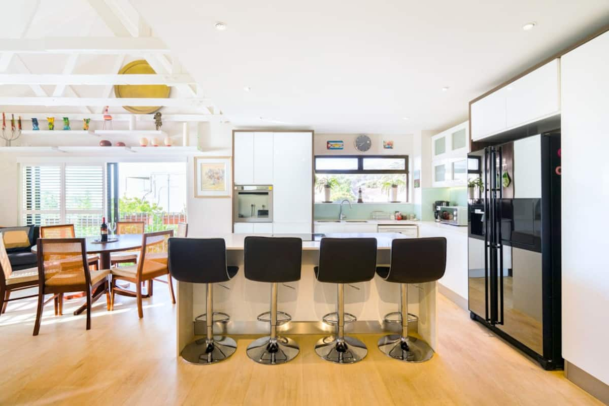 Stylish Apartment Close to Campsbay Beach
