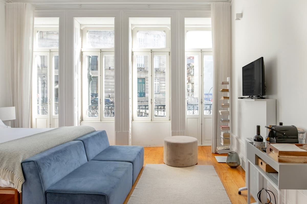 Stroll to Liberdade Square from a Sun-Drenched Studio