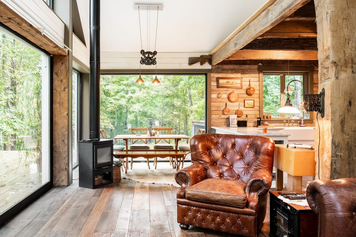 Listen to Nature at a Secluded Cabin near Nashville