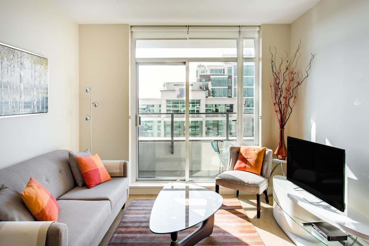 Sleek Condo with Balcony Views in the Heart of Victoria