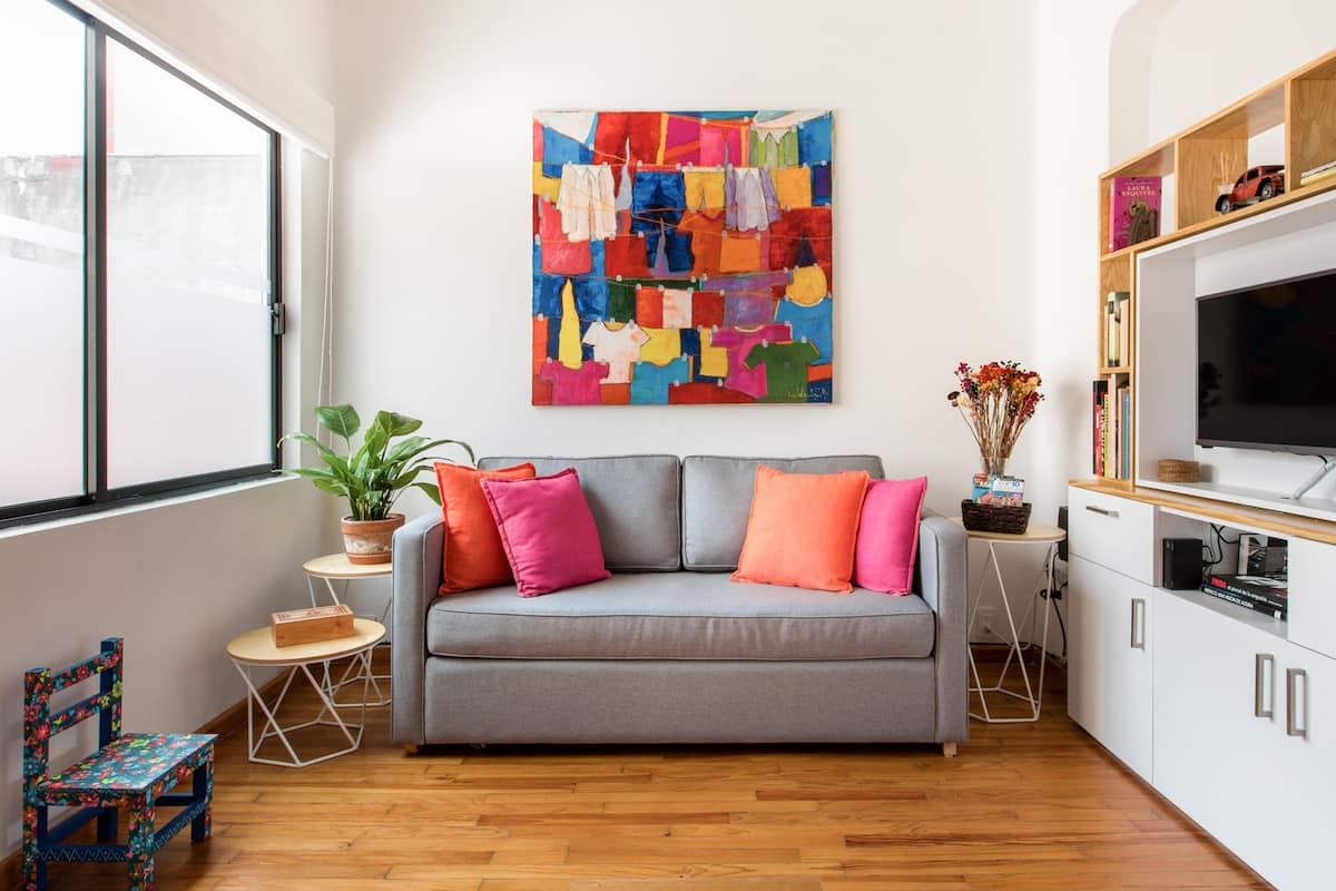Hip, Colorful Studio with Patio in Roma Norte