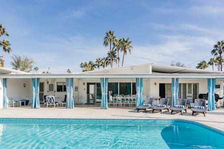 Mid-Century Oasis with a Pool and Spa - Minutes to Downtown