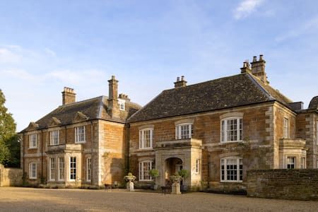 Thorpe Manor