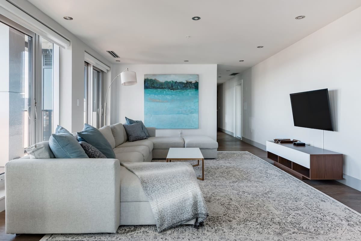 Roomy Penthouse in Entertainment and Conference District
