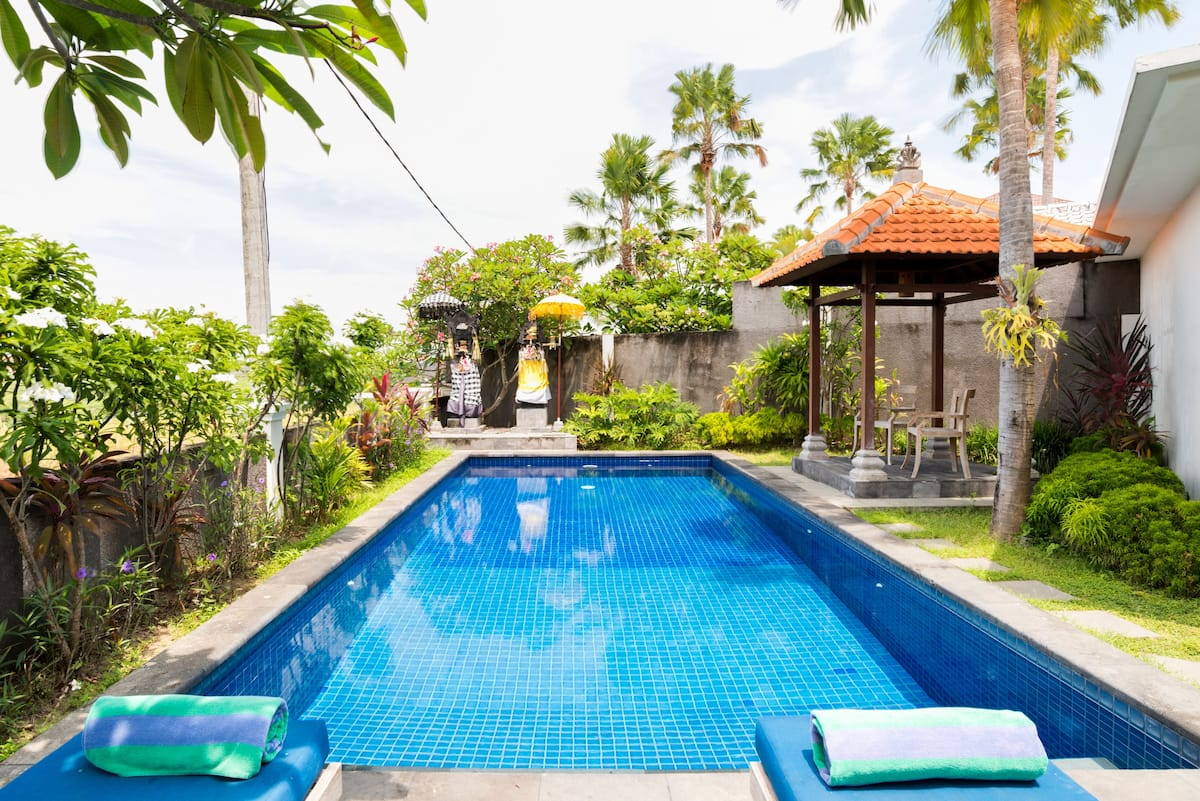 Luxury Private Villa with Backyard Pool and Rice Fields View