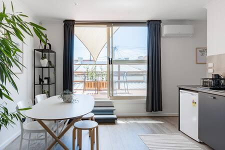 Cozy Nook Apartment in the Heart of Seddon Village
