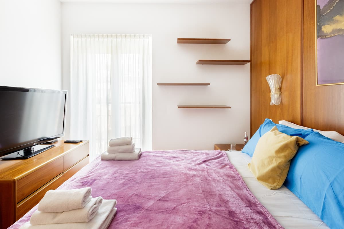 Prime, Colorful Apartment in Varese City Center