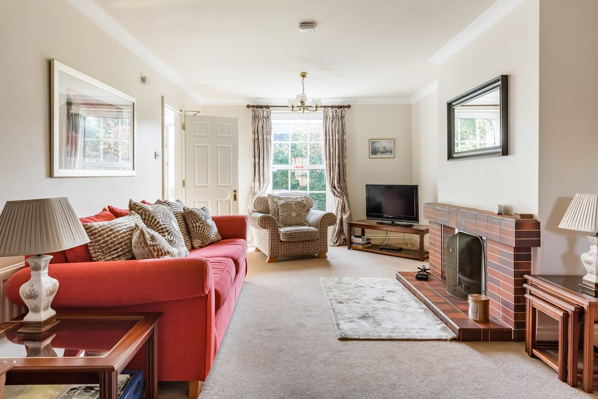 Light the Fire and Get Cosy at an Elegant Suburban Haven