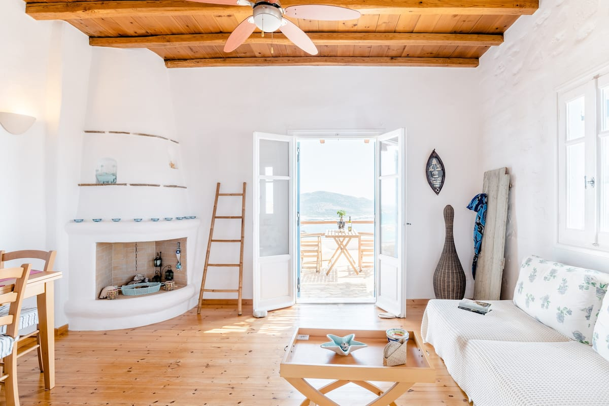 Blue Sea Vibes—Agios Georgios Family-Friendly Apartment