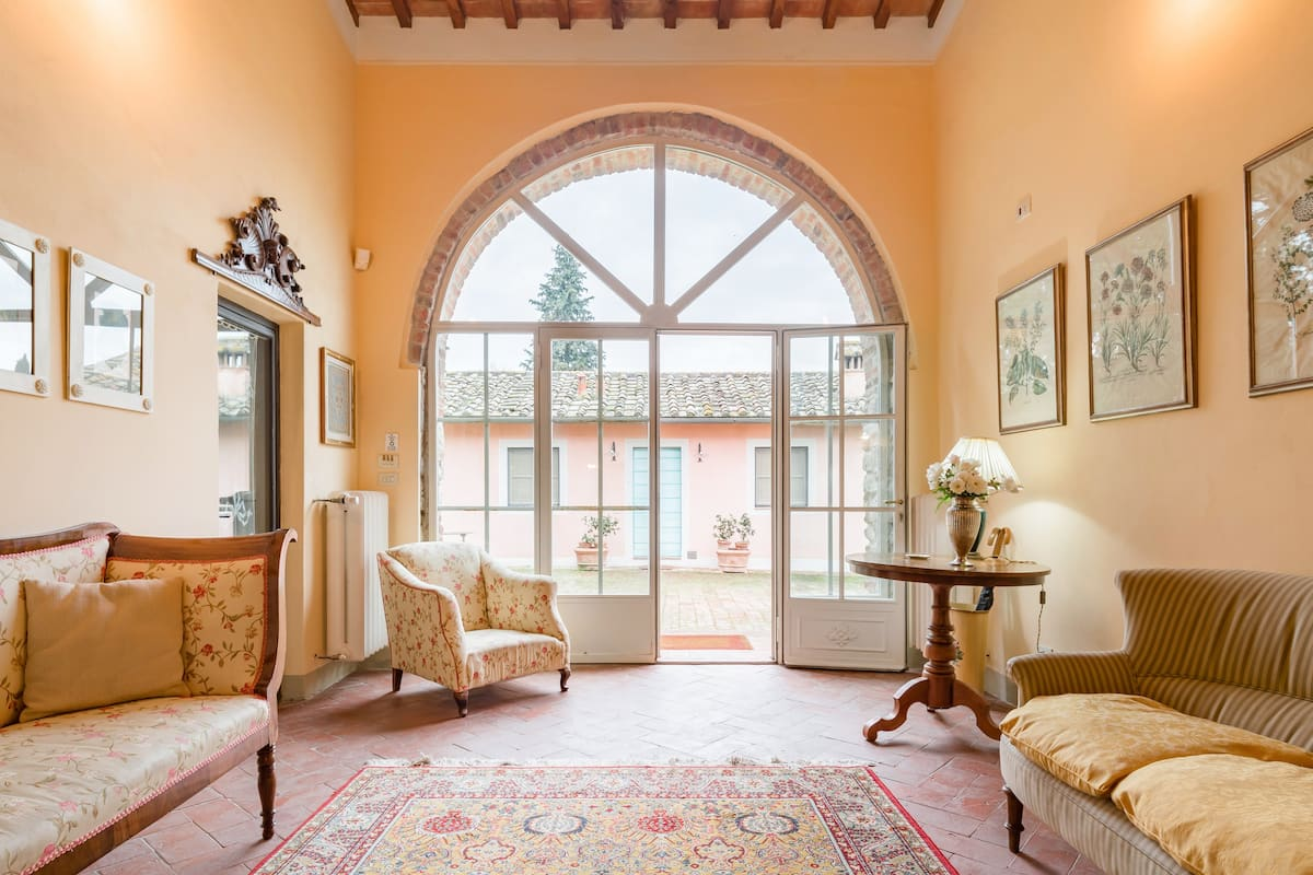Find an Oasis of Peace in this Charming Villa with Pool few miles from Florence