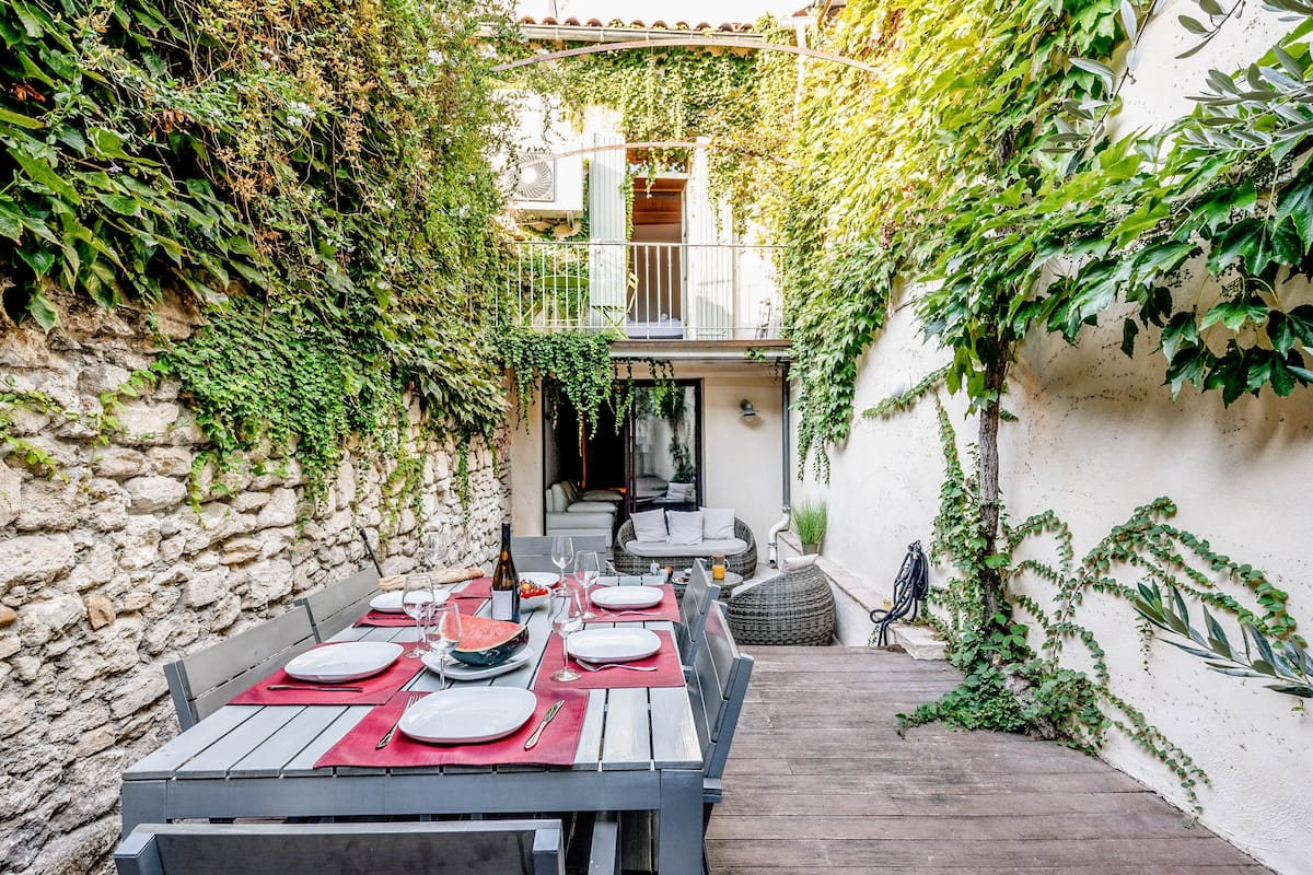 Award-Winning Mediterranean Townhouse, Private Patio and Spa