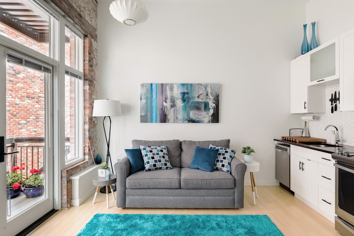 Charming Victoria Loft in Downtown