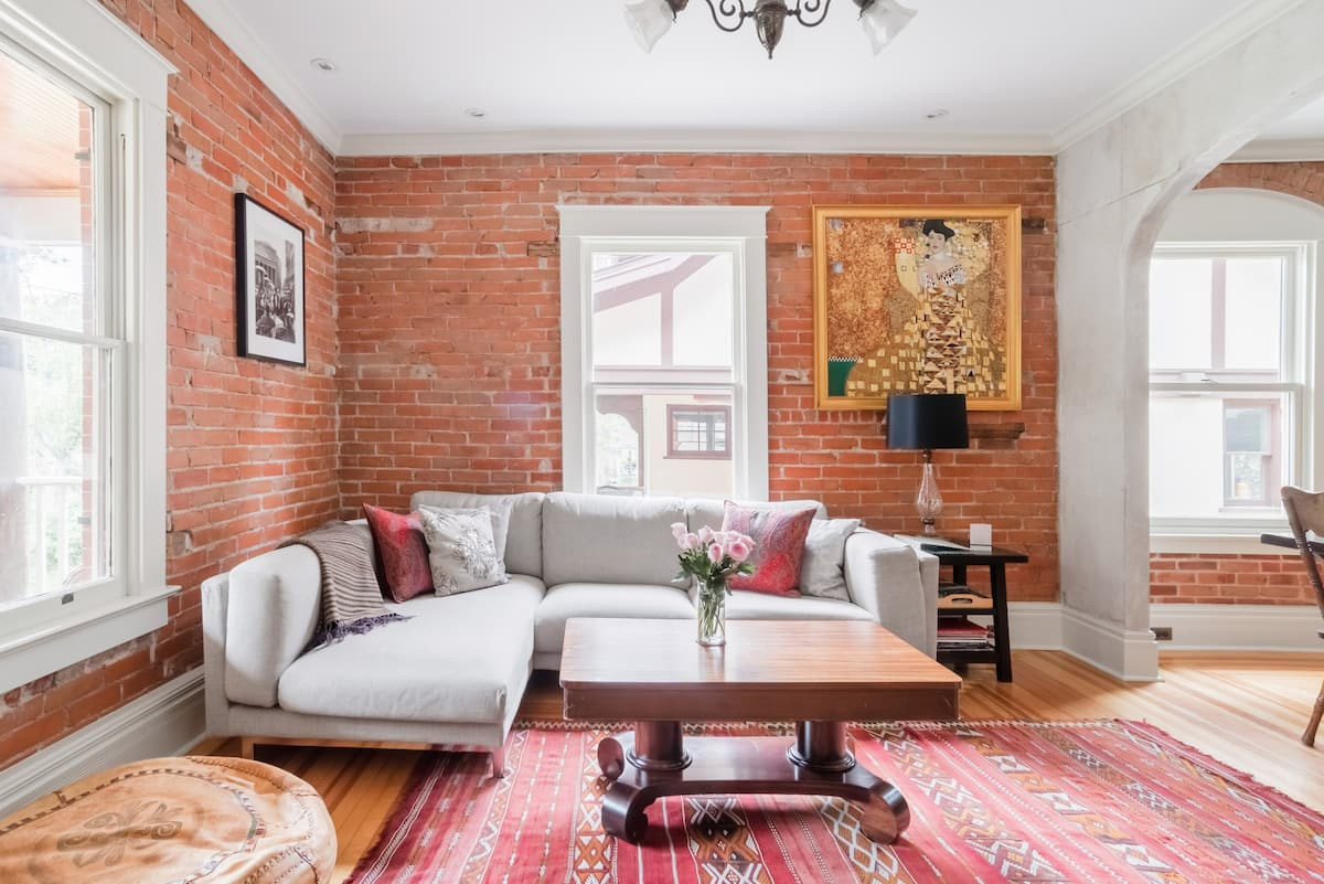 Stunning Historic Home Close to Pearl Street
