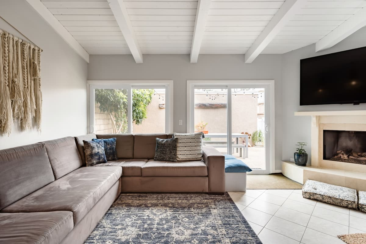 Remodeled Beach Guest House 5 Blocks From Main Street