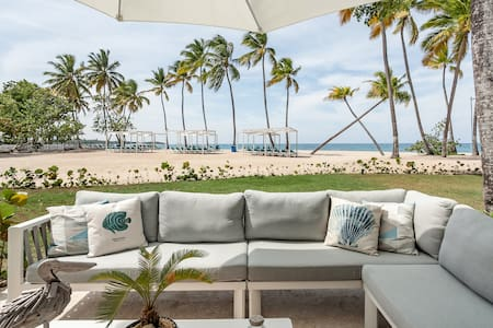 Beachfront Condo With Private Pool, Patio & Resort Access ☀️