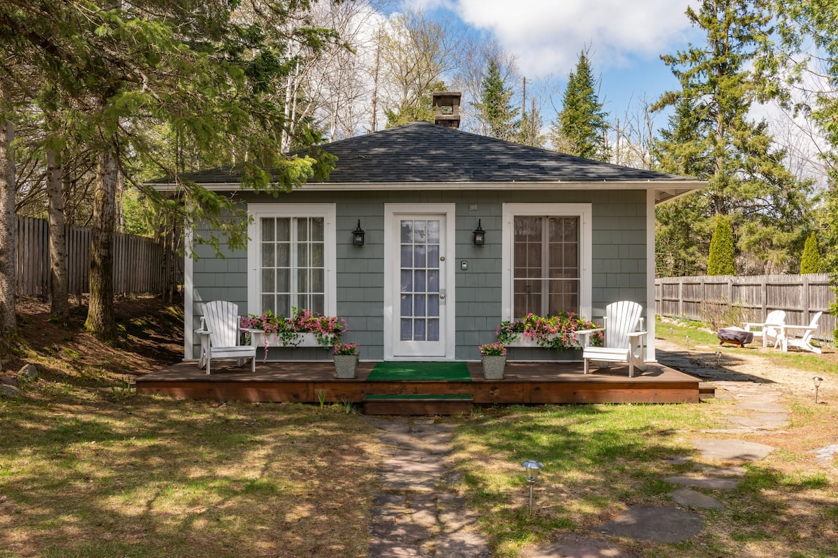 Adorable Cottage Featured in Country Living, Domino and HGTV