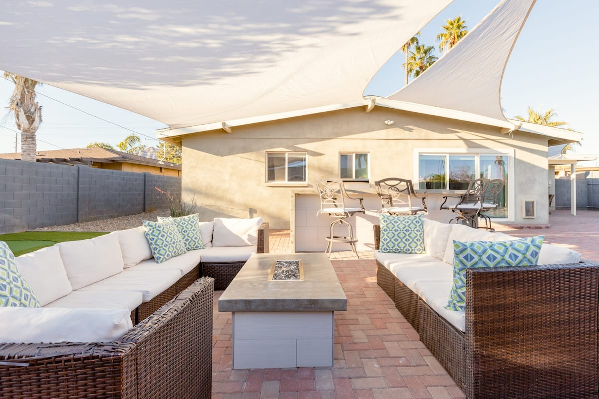 Walk to Old Town Scottsdale Heated Pool with Outdoor Kitchen