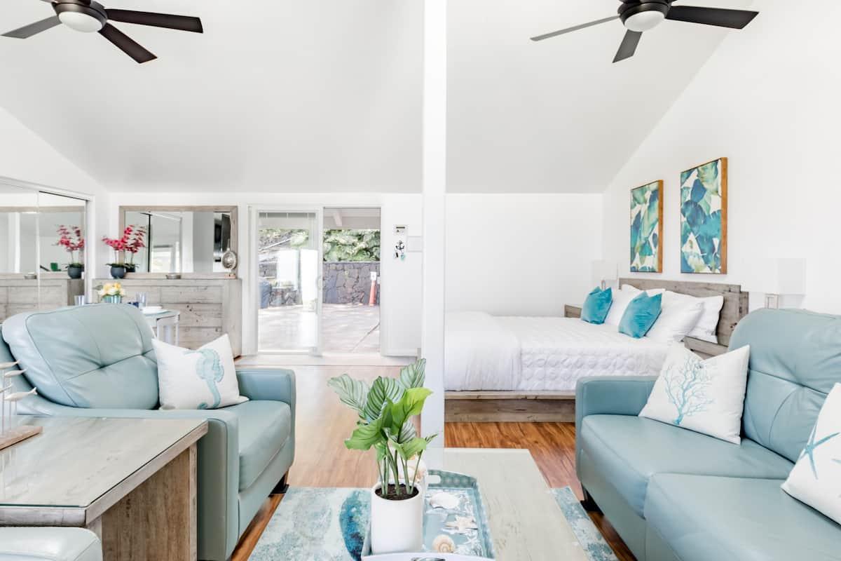Beach-Ready Guest Studio With Blue Ocean Views