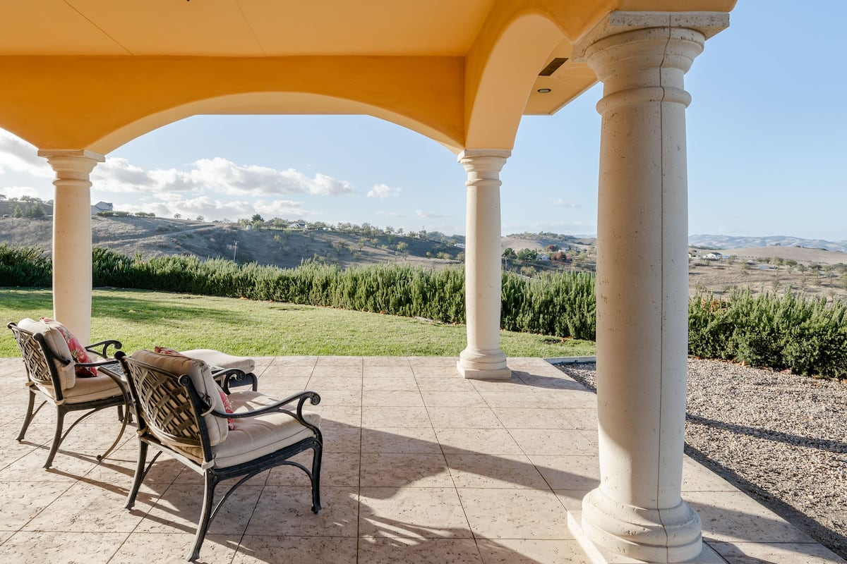 Breathtaking Views From the Aterno Estate and Vineyard