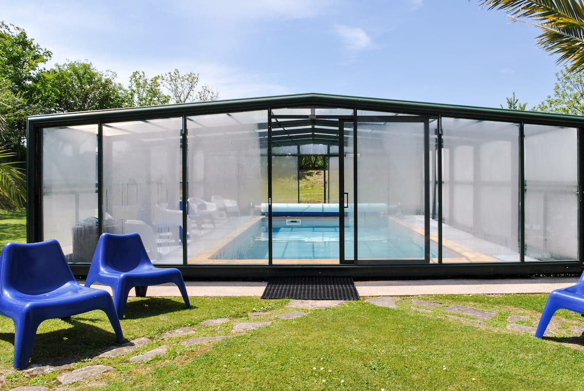 Domaine des Abers classé trois étoiles, piscine chauffée et couverte.