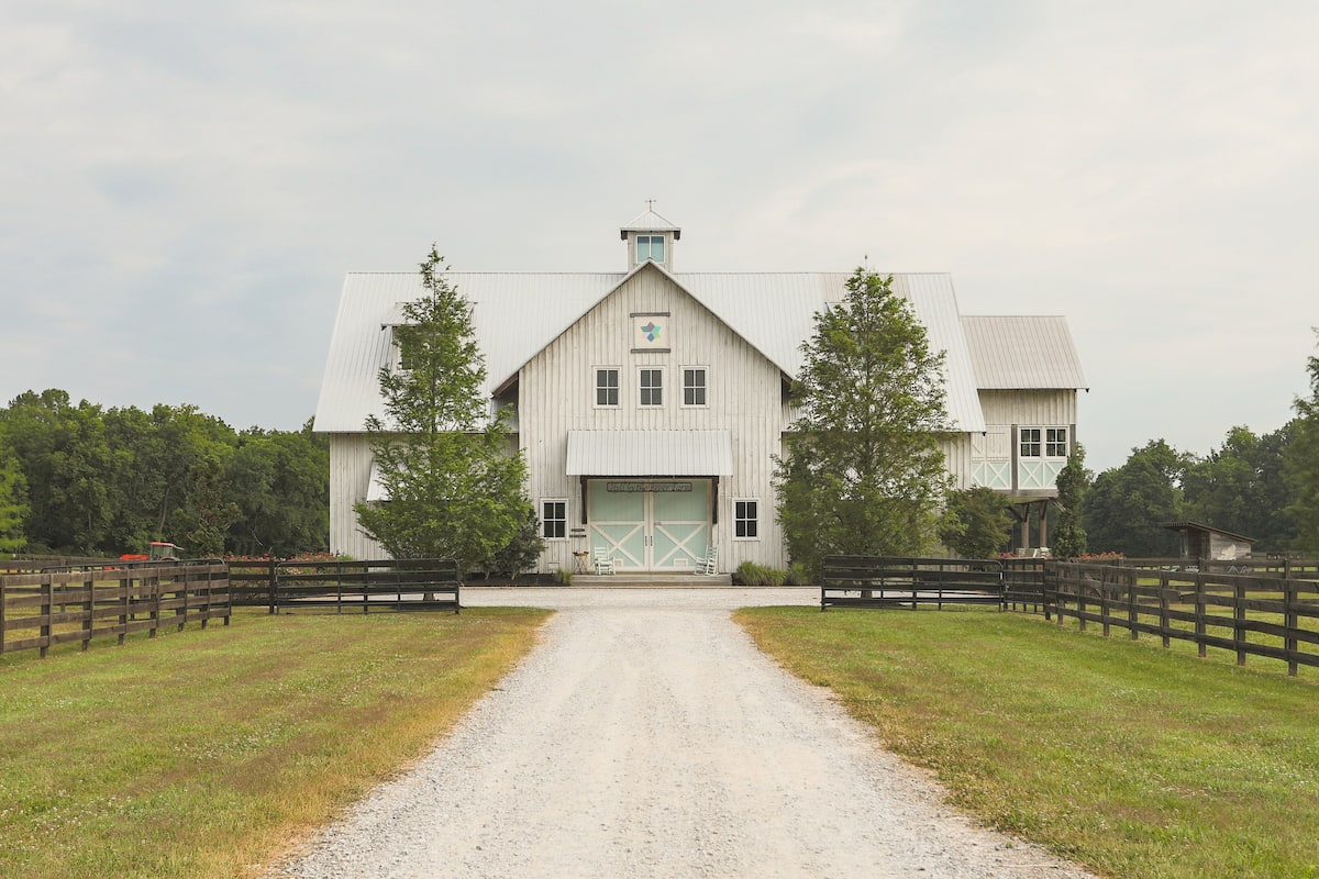 Explore Tennessee's Countryside from a Gorgeous Modern Barn