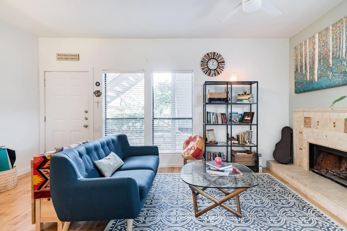 Walk Downtown From a Comfy Hideaway in Central Bouldin