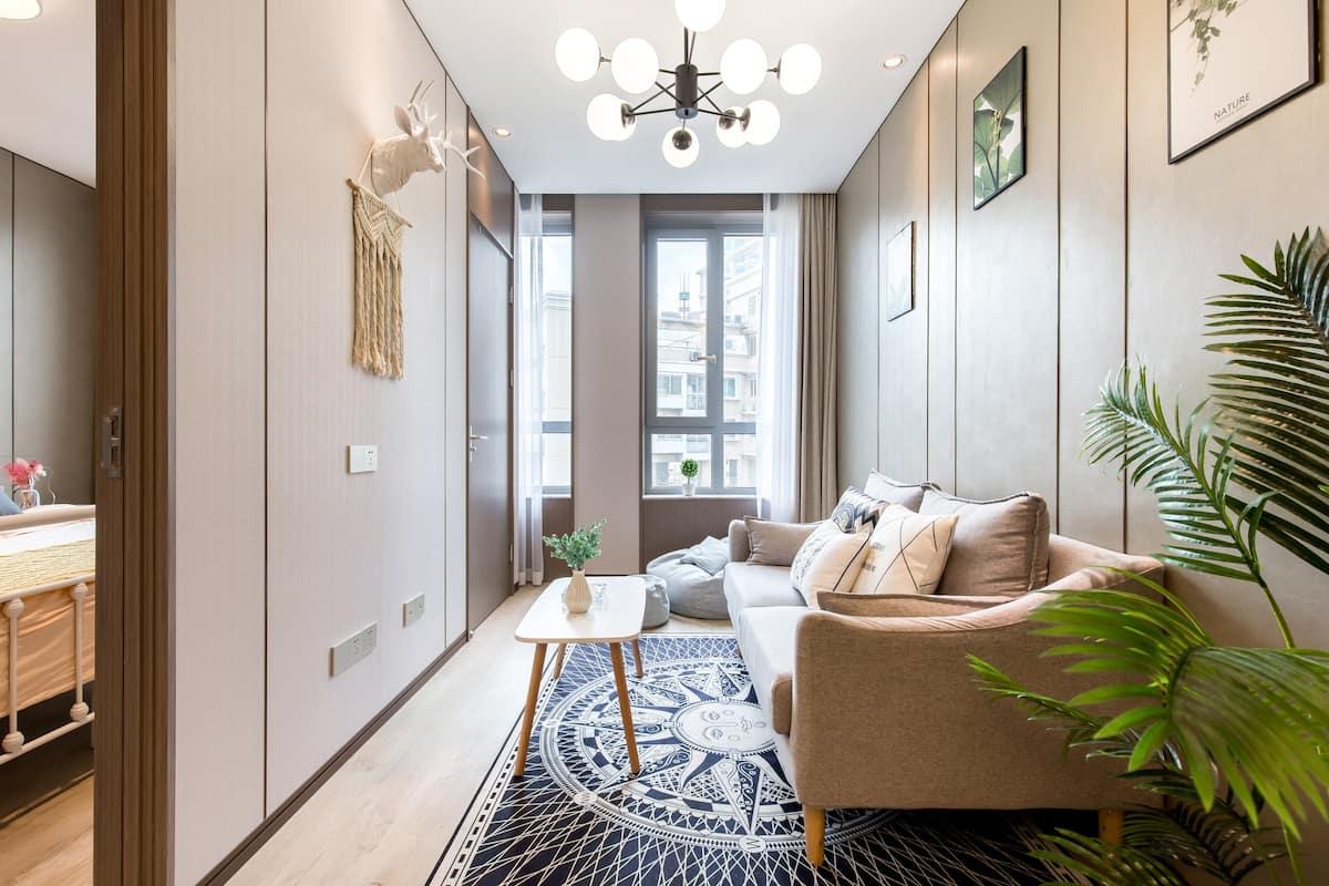 外滩 南京街 人民广场附近的高级现代时尚灰色空间公寓