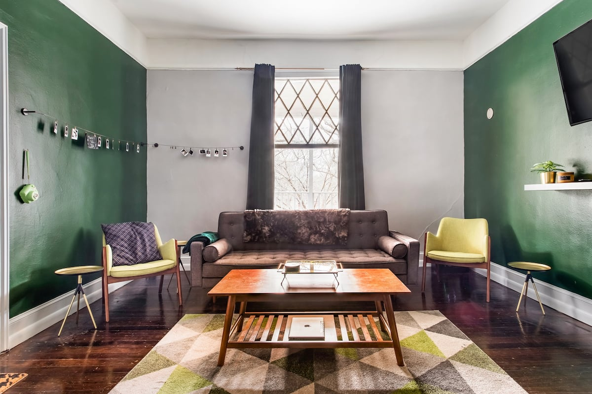 The Green Apartment in Midtown East Near Ponce City Market